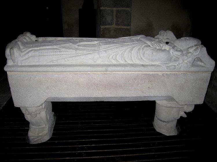Sarcophage saint lunaire